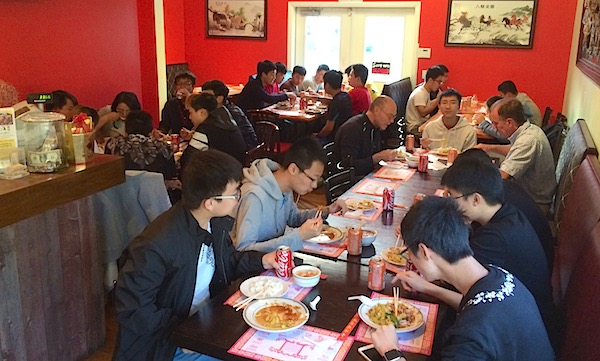Students enjoy Mid-Autumn Festival meal